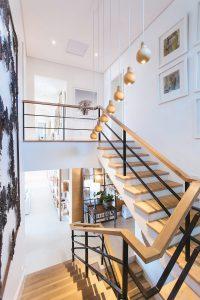 Treppenhaus, Sanierung, Immobilie sanieren, Holzstufen